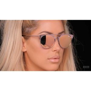 Quay Chrisspy Sunglasses